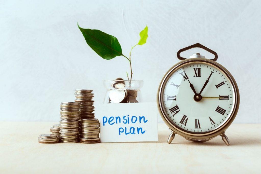 Odluka između privatne i državne penzije. Da li možemo da imamo i jedno i drugo.